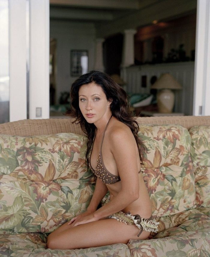 Shannen Doherty nude. Photo - 17