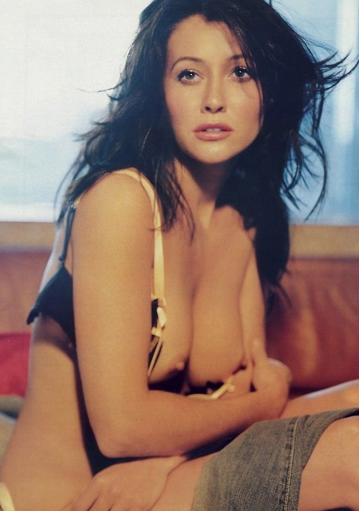 Shannen doherty nude shots, gorgeous brunette sex gif