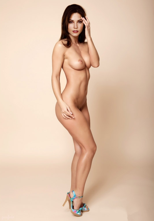 naked-sophia-bush