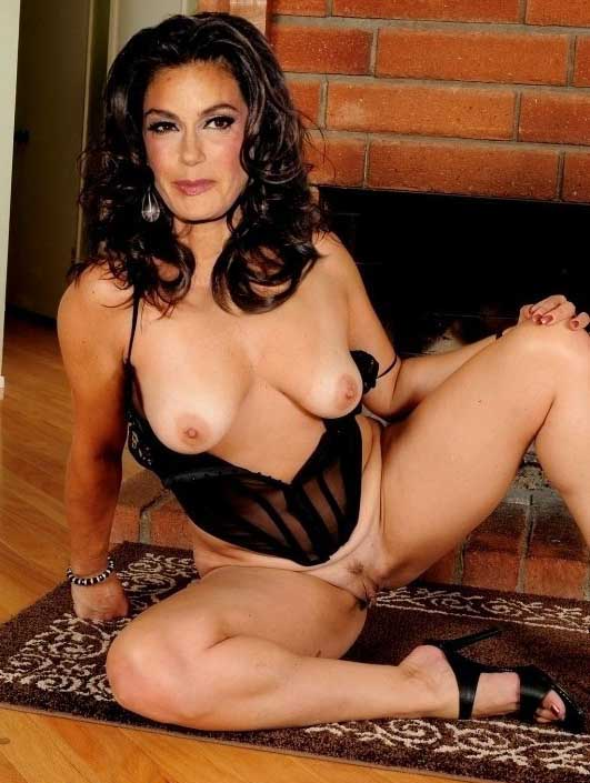 Teri hatcher in nude pantyhose, lebnan sex picture