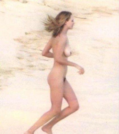 Ума Турман голая. Фото - 9